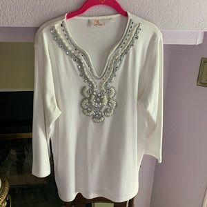 WHITE JEWELED TOP by QUACKER FACTORY ( M)🌷🌷